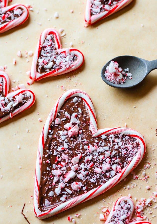 Sucrerie remplie par chocolat Cane Hearts images stock