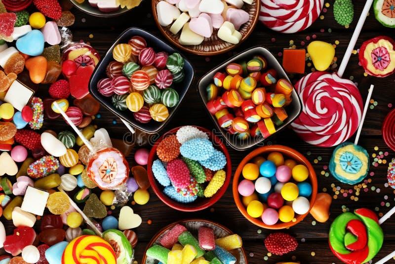 Sucreries avec la gelée et le sucre choix coloré de différents childs photographie stock libre de droits