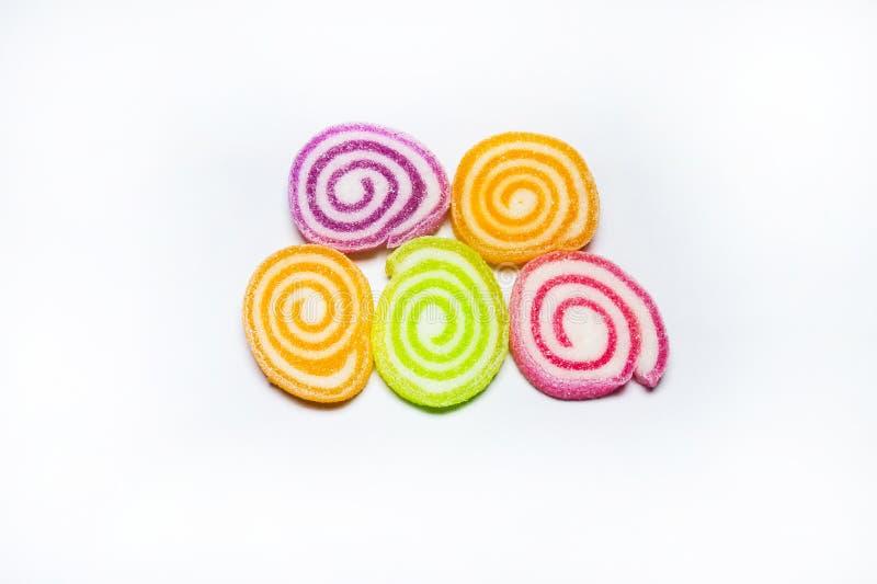 Sucreries colorées de gelée sur le blanc images stock