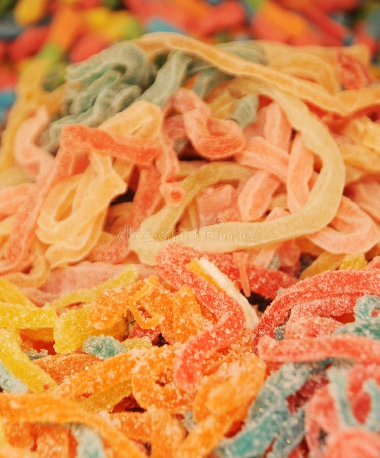 Sucreries colorées en caoutchouc de serpent images libres de droits