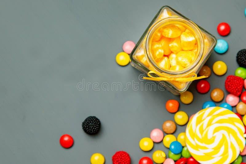 Sucreries colorées, vue supérieure photographie stock