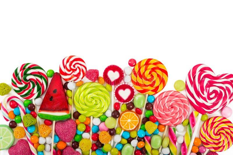 Sucreries et lucettes colorées photos stock