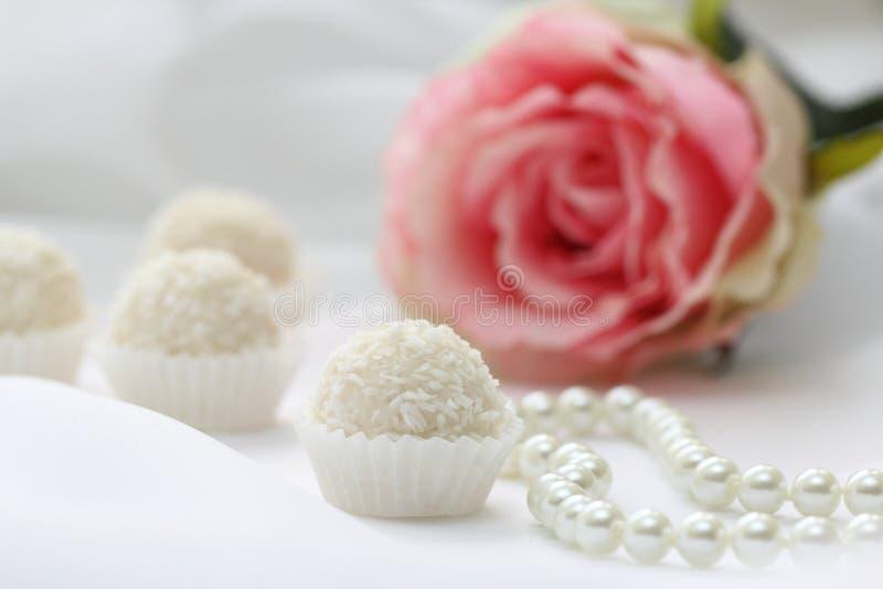 Sucreries et perle de noix de coco photographie stock libre de droits