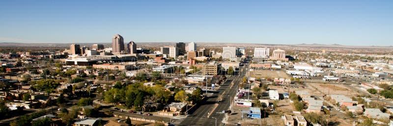 Sud du centre Nouveau Mexique de désert d'horizon de métro de ville d'Albuquerque photos stock