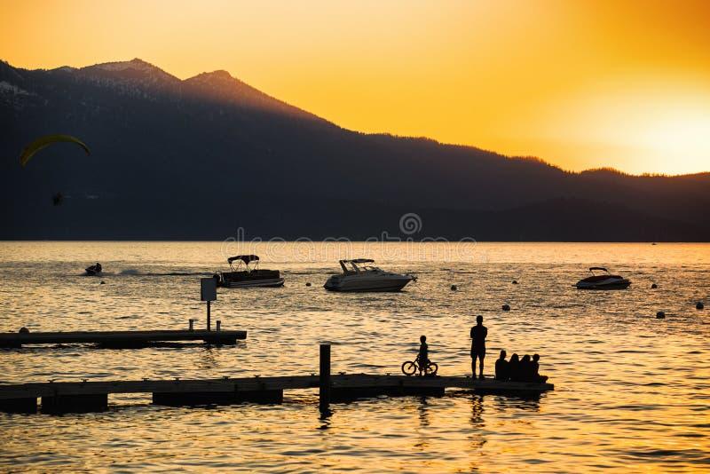 Sud le lac Tahoe de coucher du soleil image libre de droits
