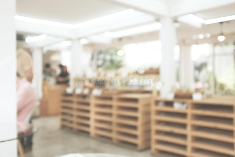 Suddig bakgrundsbild av coffee shop arkivfoto