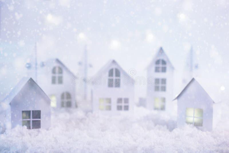 Suddig bild av vinterjulbakgrund Glad jul och hälsningkort för lyckligt nytt år med kopia-utrymme natt för julliggandemagi arkivbilder