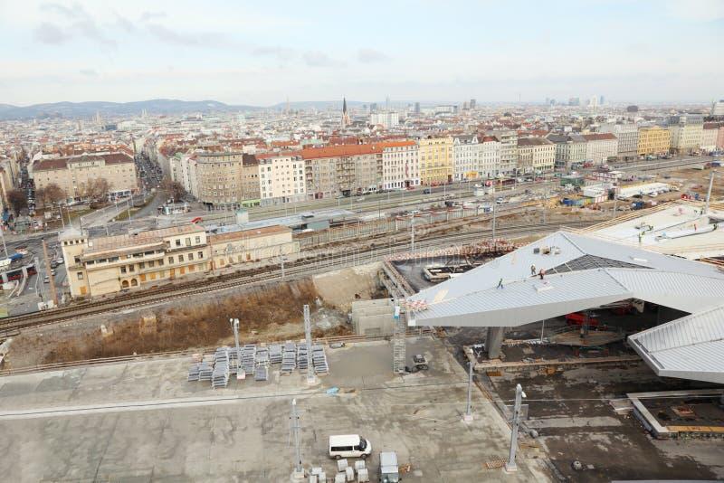Sudtiroler Platz perto da construção da estação fotografia de stock