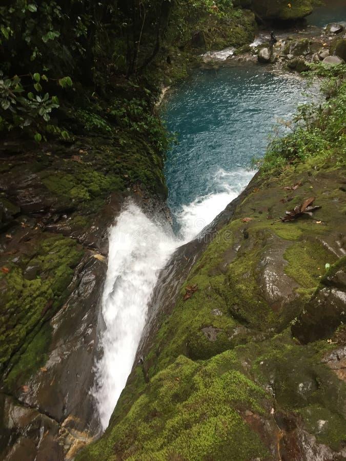 Sueño Azul Waterfall del top, Heredia, Costa Rica Hermosa Catarata Sueño Azul imagen de archivo libre de regalías