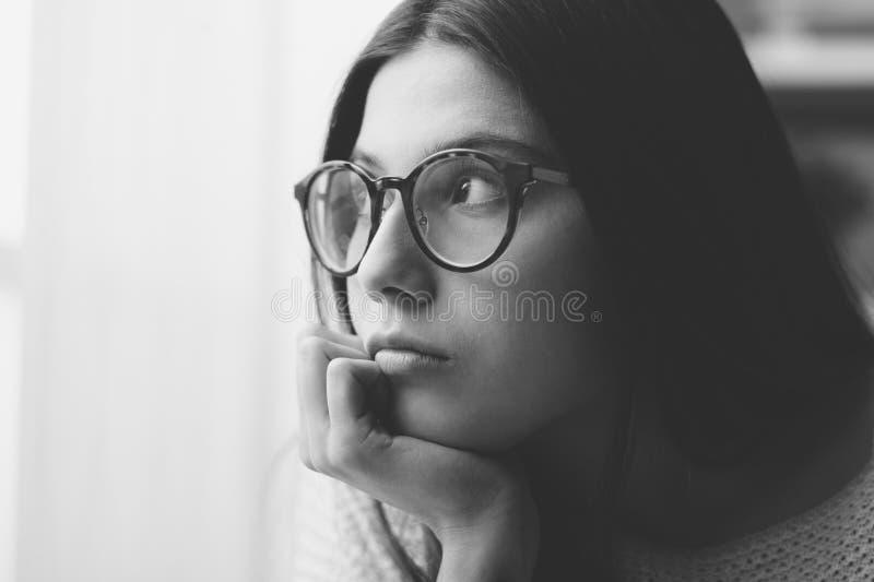 Sueño triste del día de la mujer imagenes de archivo