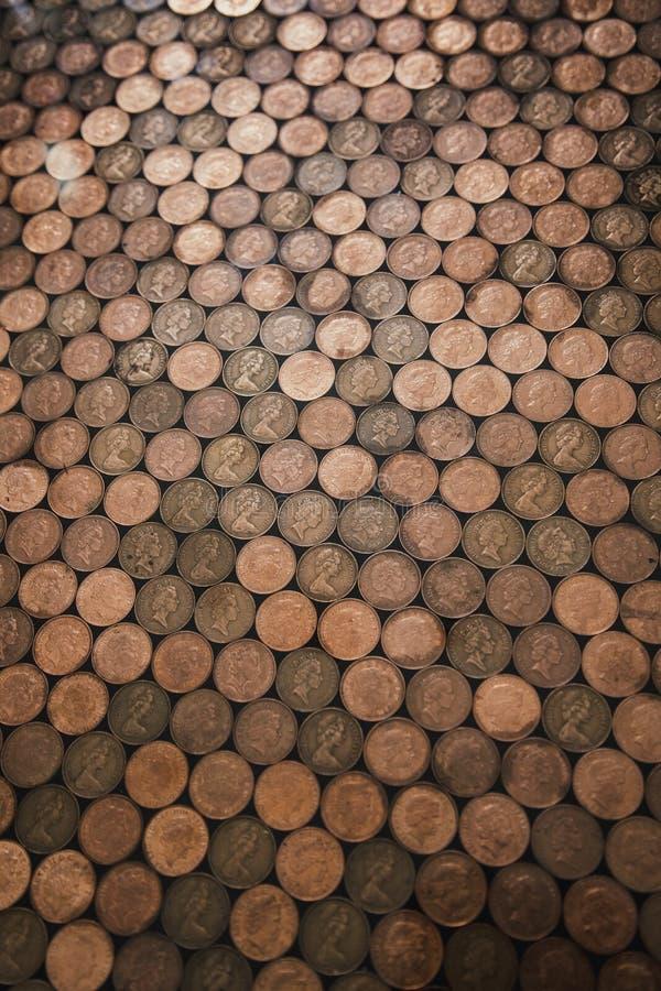 Suelo de la moneda de dos peniques fotografía de archivo