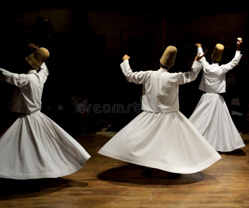 Sufi musik, virvla dervischer visar, cappadociaen, kalkon royaltyfri fotografi