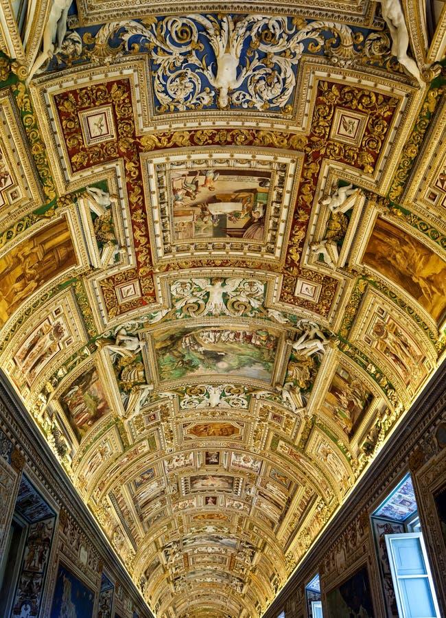 Sufit galeria mapy fotografia royalty free