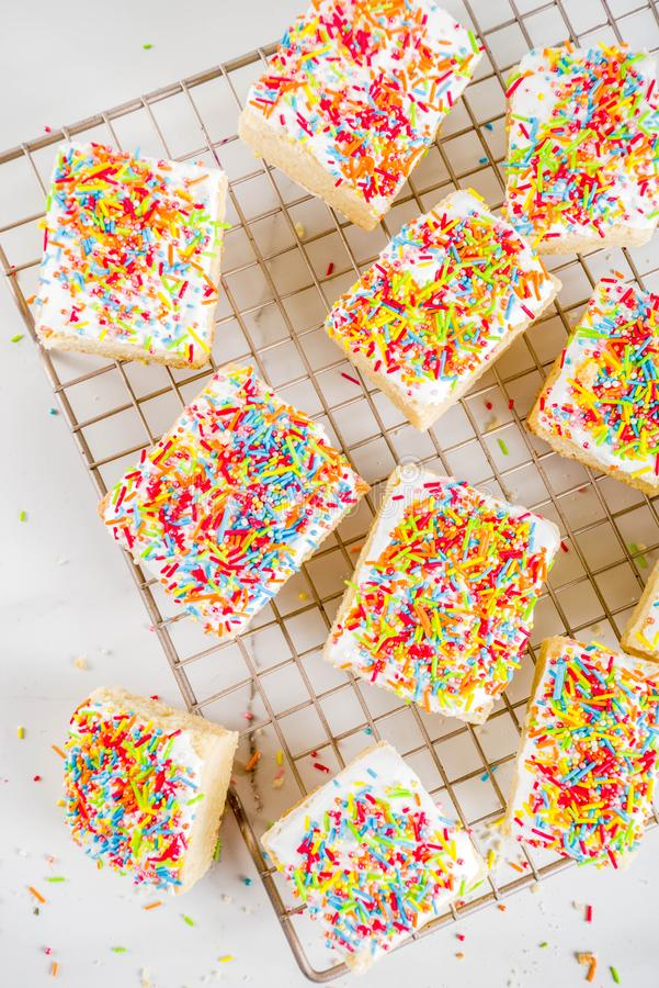 Sugar Cookie Bars geado fotografia de stock