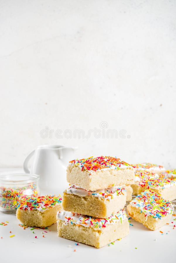 Sugar Cookie Bars geado fotos de stock royalty free