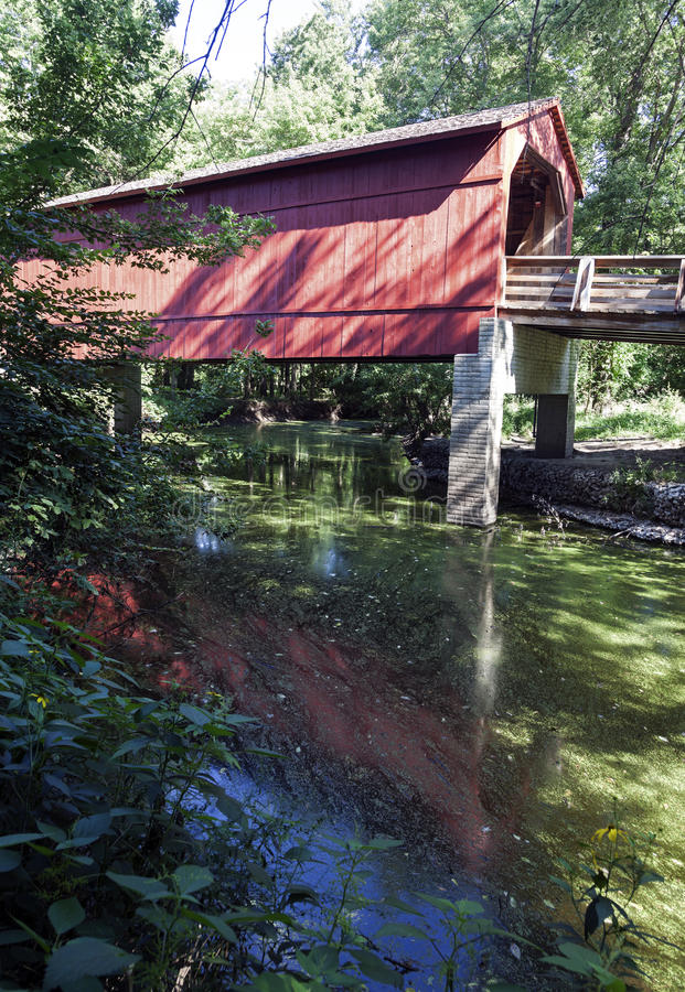 Sugar Creek Covered Bridge immagine stock libera da diritti