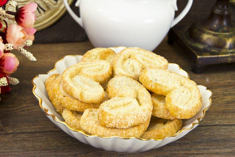 Sugar Puff Cookies na placa fotografia de stock