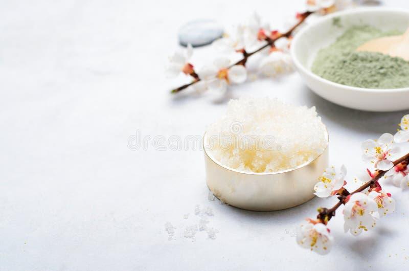 Sugar Scrub, cosméticos feitos a mão naturais, tratamento dos termas do corpo imagem de stock