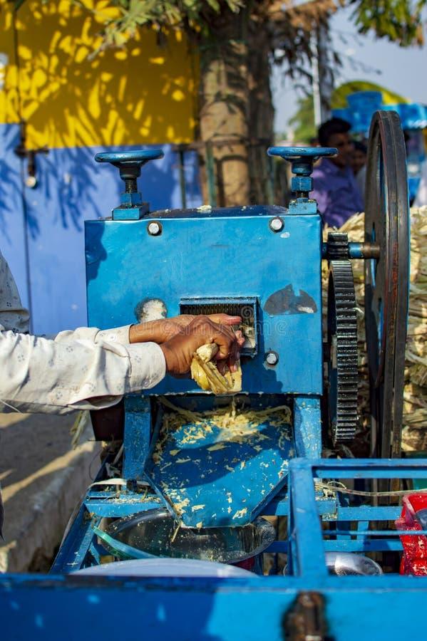 Suikerbietensap die bij de straat worden verkocht stock foto's