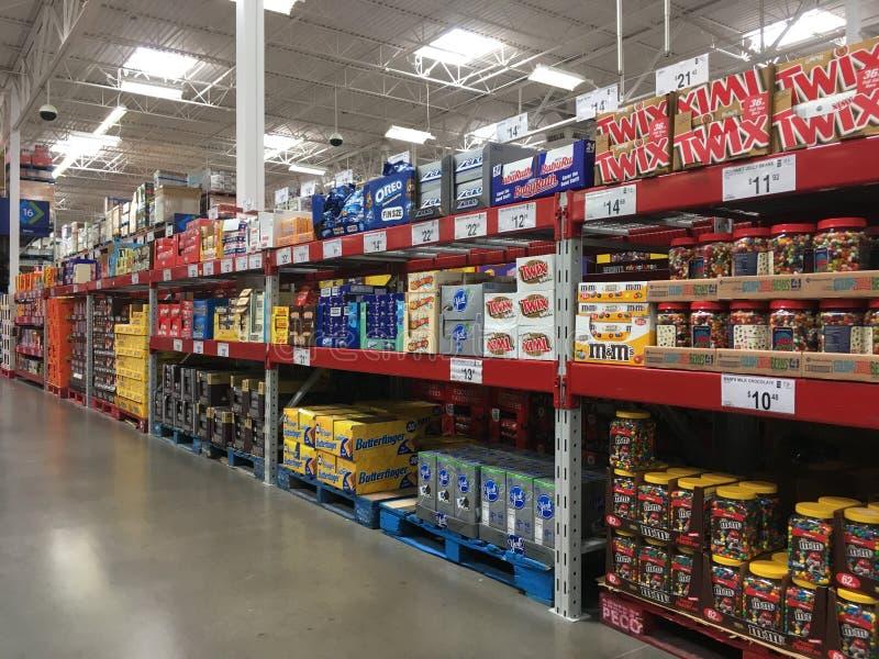 Suikergoed voor Verkoop in de Clubopslag van SAM royalty-vrije stock afbeelding
