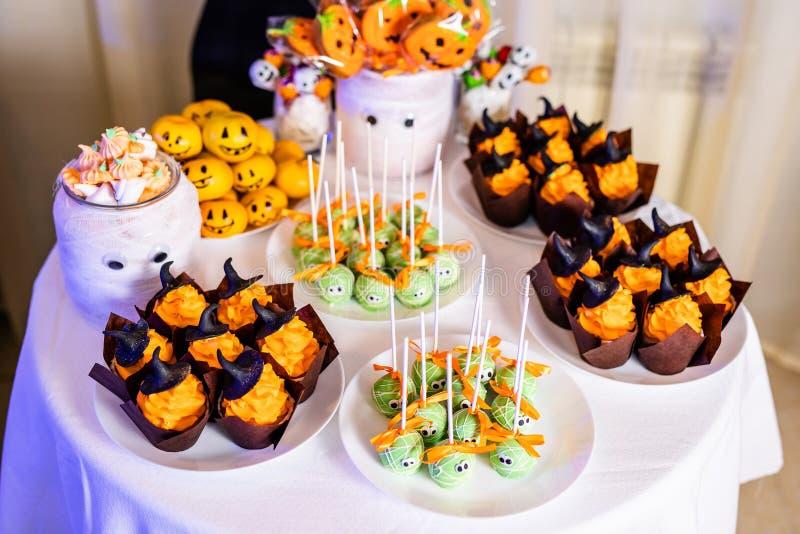 Suikergoedbar met snoepjes voor de viering van Halloween royalty-vrije stock afbeelding