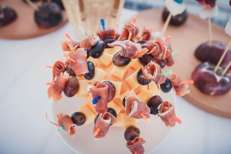 Suikergoedbar op huwelijksceremonie stock fotografie