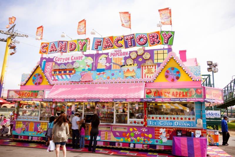 Suikergoedtribune bij de markt stock afbeelding