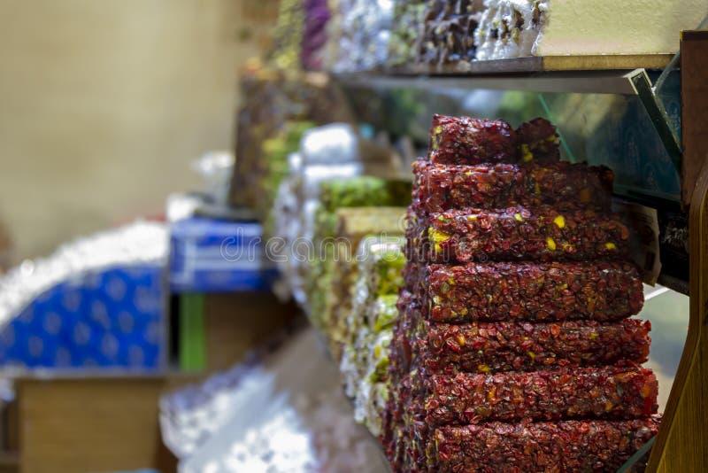 Suikergoedwinkel bij grote bazar royalty-vrije stock afbeeldingen