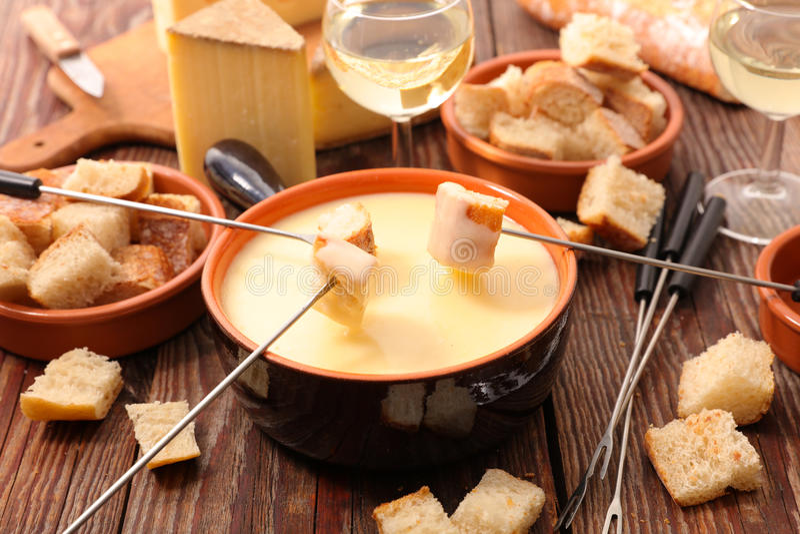 Suisse de fondue de fromage image stock