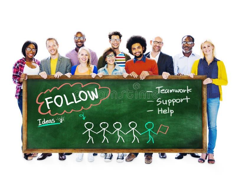 Suivez le concept social de media de travail d'équipe d'idées de soutien photo stock