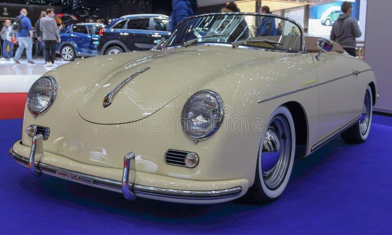 Suiza; Ginebra; 9 de marzo de 2019; Convertible del conductor veloz de Porsche 356; El 89.o salón del automóvil internacional en  imagen de archivo