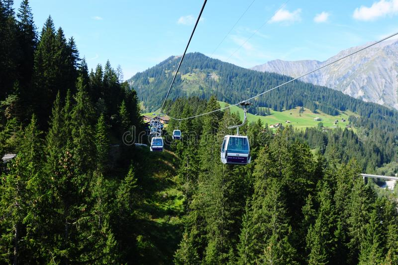 Suiza: Teleférico de Silleren, Adelboden, Bernese Oberland imágenes de archivo libres de regalías
