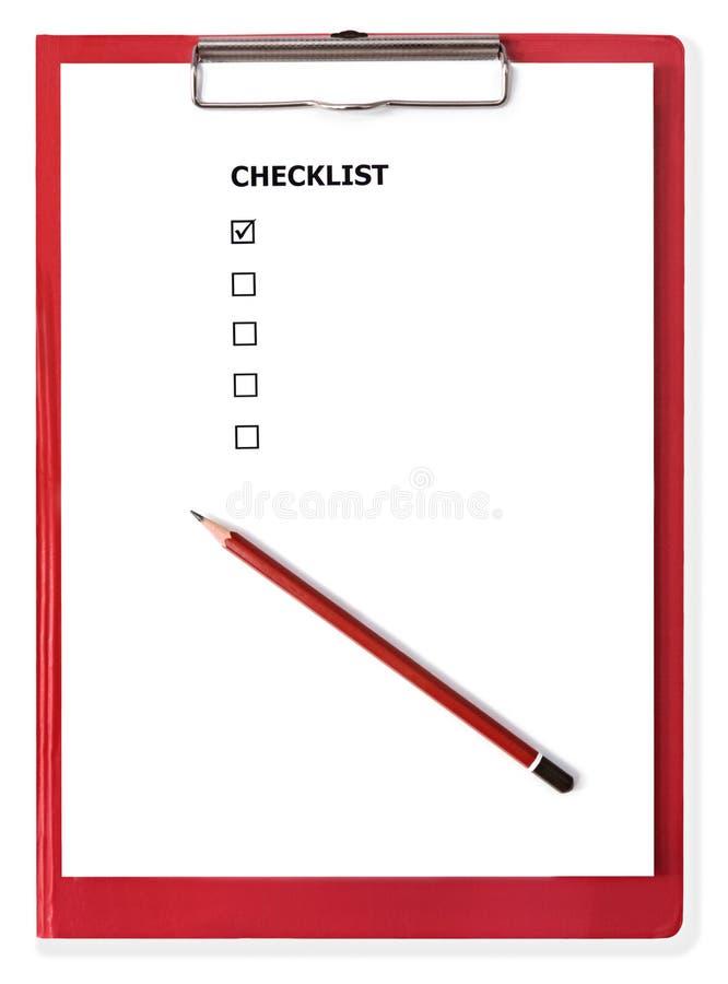 Sujetapapeles rojo con la lista de comprobación en blanco imágenes de archivo libres de regalías