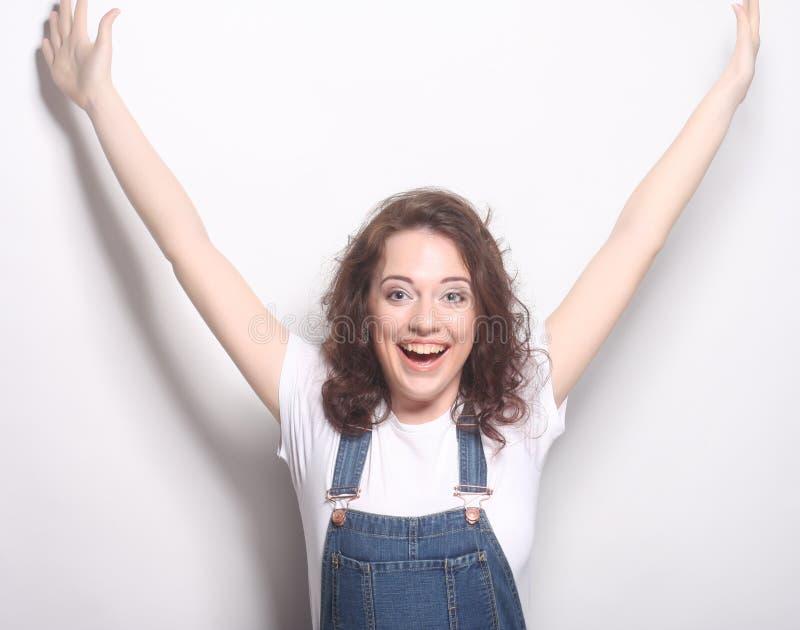 Sukces kobiety szczęśliwa ekstatyczna odświętność jest zwycięzcą obrazy stock