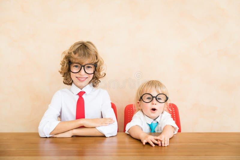 Sukces, zaczyna w górę i biznesowy pomysłu pojęcie zdjęcie stock