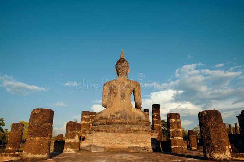 Sukhotha, Tailandia - 20 novembre 2017: Wat Mahathat Temple nel recinto del parco storico di Sukhothai immagini stock