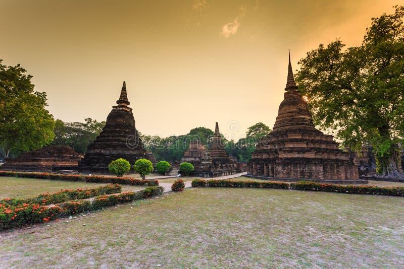Sukhothai历史公园泰国的老镇日落的 图库摄影