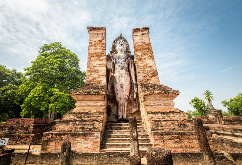 Sukhothai历史公园,泰国, Mahatat寺庙的老镇 库存照片