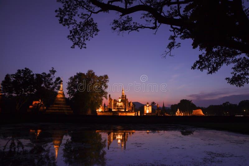 Sukhothai historischer Park Ruinen des buddhistischen Tempels in Sukhothai hallo stockfotografie