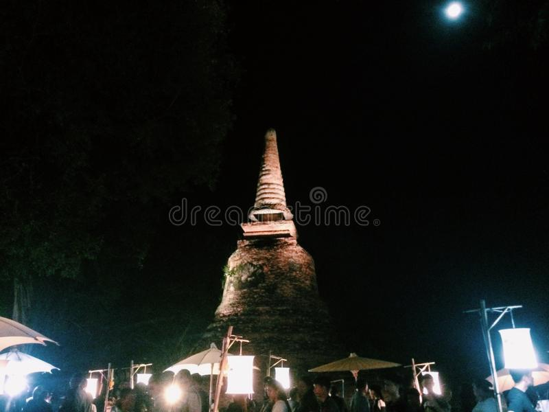 Sukhothai Loykrathong festival royaltyfria bilder