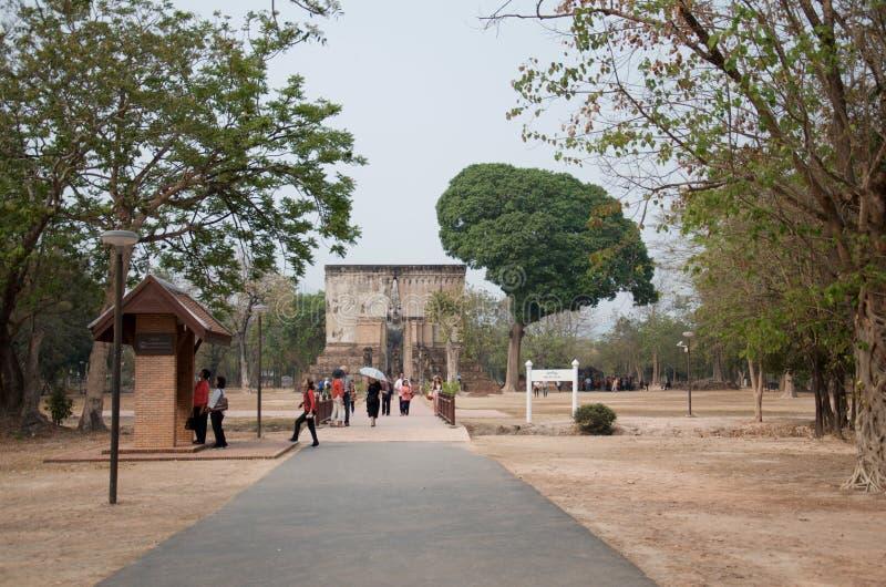 Sukhothai, provincia de Sukhothai, Tailandia - 16 de febrero de 2019: Los turistas de todo el mundo están considerando el décimot fotografía de archivo libre de regalías