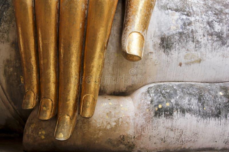 Sukhothai Thaïlande de doigts de buddhas de lame d'or image libre de droits