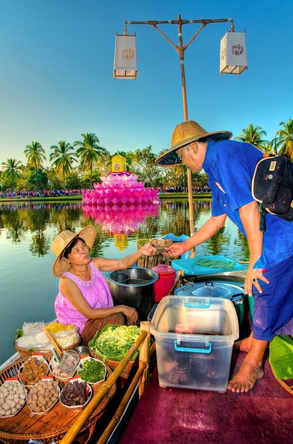 SUKHOTHAI, 21 THAILAND-NOVEMBER Simuleer retro levensstijl en royalty-vrije stock fotografie