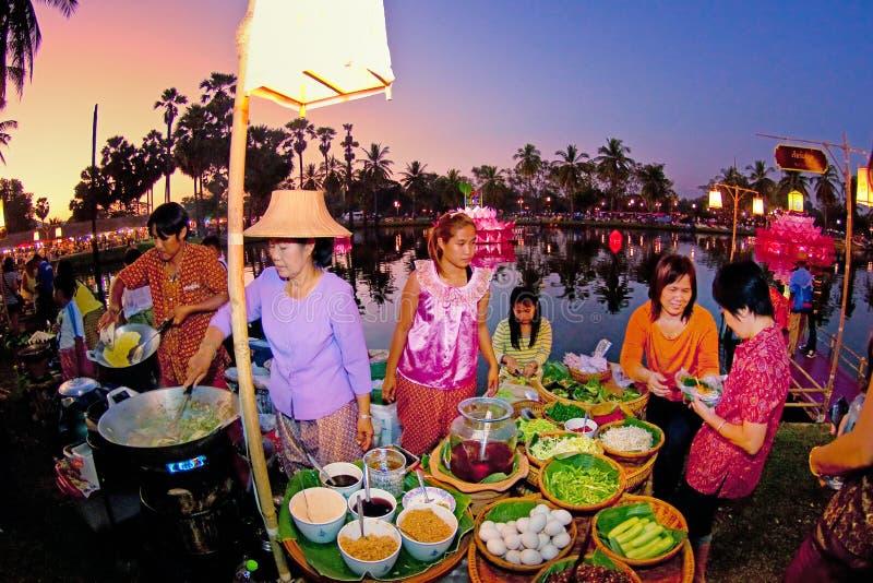 SUKHOTHAI, 21 THAILAND-NOVEMBER Simuleer retro levensstijl en royalty-vrije stock foto