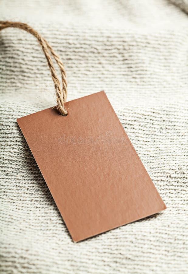 Sukiennej etykietki pusty brown mockup zdjęcie stock