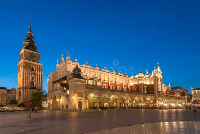 Sukiennice no mercado principal em Krakow, Polônia imagens de stock royalty free