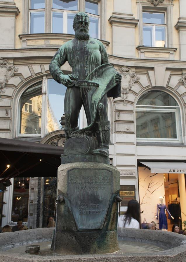 Sukiennik fontanna Oskar Thiede, Wiedeń, Austria obrazy stock