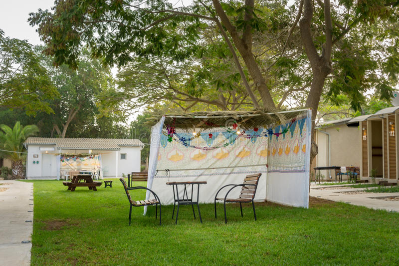 Sukkah - symbolische tijdelijke hut voor viering van Joodse Vakantie Sukkot stock afbeelding