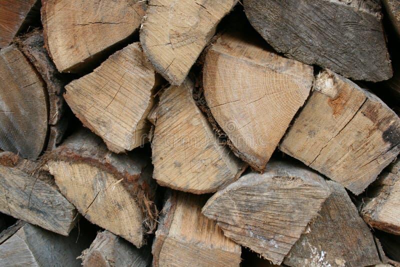 Sul mucchio isolato vicino di struttura di legno tagliata del fondo fotografia stock libera da diritti
