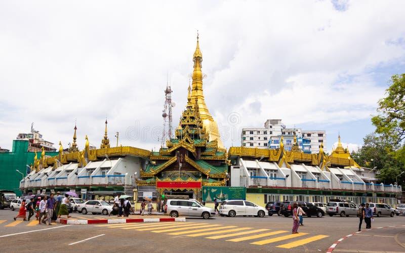Sule Pagoda Yangon, Myanmar arkivfoto